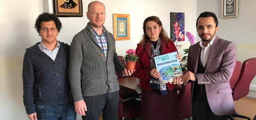 TÜGVA'dan öğretmenlere çiçekli kutlama